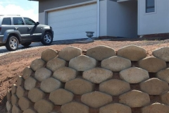 Retaining wall of retaining blocks