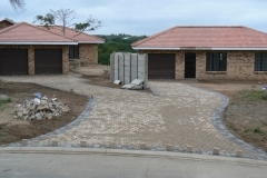 Cobble Paving Driveway in two-tone