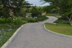 Cobble Paving Driveway with kerb edges