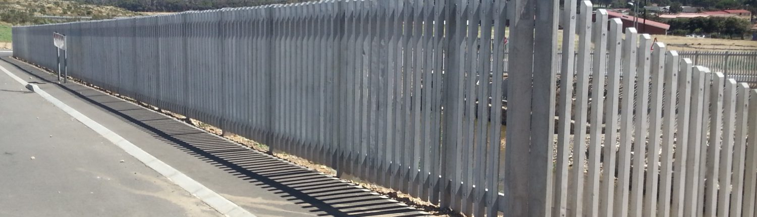 Concrete palisade fence of 1.8m height